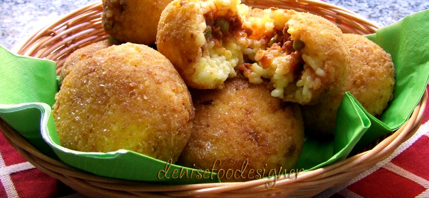 ARANCINI WITH MEAT SAUCE FILLING